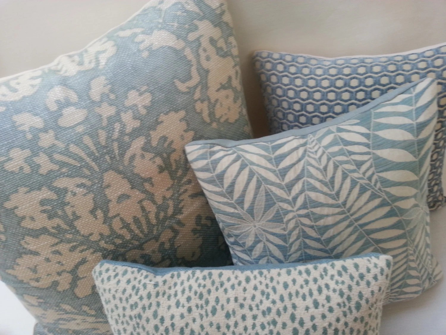 Pillow SET Of 4 Robins Egg Blue Off White Coordinating Accent