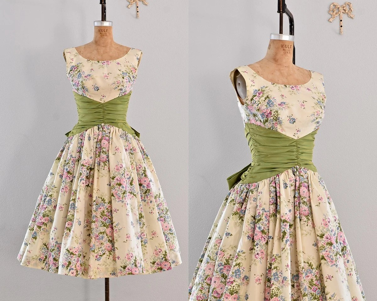 Vintage 1950s Dress Party Dress / Floral Print By