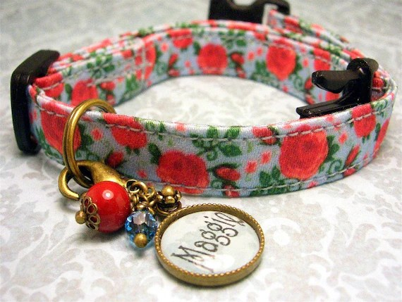 Safety cat collar - Personalized Name Charm - Pet Tag - Cat Tag - Antique Brass - Red Roses