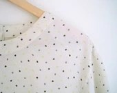 vintage abstract dotted blouse with back buttons / airy, boxy shirt - helloambition