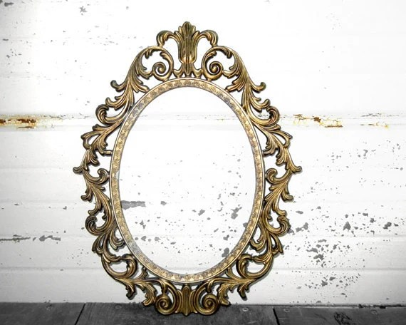 One Small 4x6 Ornate Gold Oval Metal FRAME - Sweet 4 x 6 Round Oval Victorian Brass - Brown Dark Gold Metal Frame - TheDistressingGirl