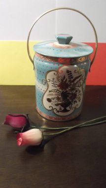 Vintage Murray Allen Regal Crown Tin