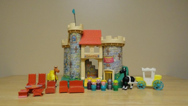 Vintage Fisher Little People Play Family Castle 993