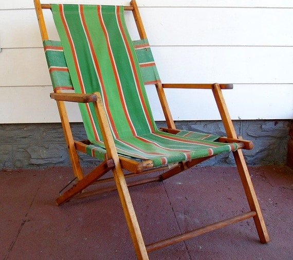Vintage Wood and Canvas Folding Beach Chair Retro Telescope