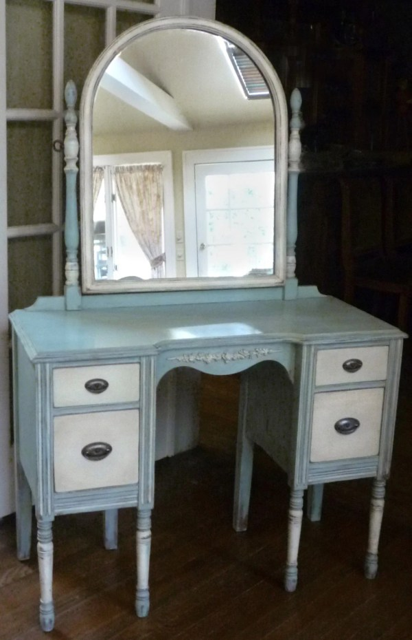 Laura Romantic Antique Vanity Dressing Table With Mirror