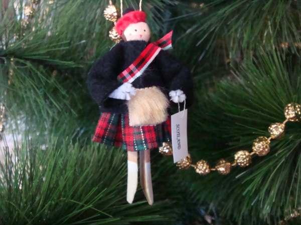 Scotland Clothespin Doll Ornament Scottish Black Red