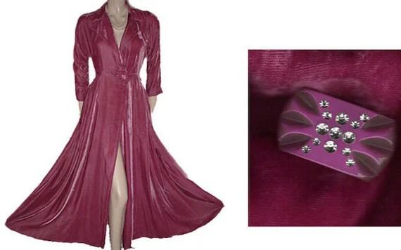 Vintage 1940s 1050s Velvet Dressing Gown Rhinestone Button