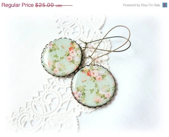 ON SALE, Vintage flowers earrings, cottage chic style - JanesBeautyStore