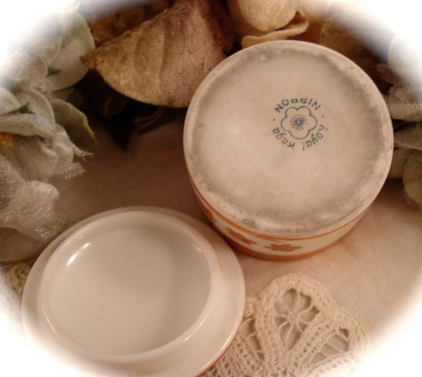 Antique Nippon Porcelain Satsuma Style Trinket Box Royal Kaga