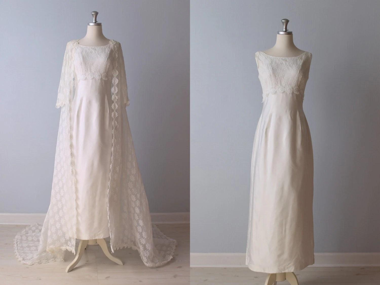 SALE Vintage 1960s Wedding Dress / 60s Bridal Gown / Lace