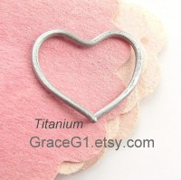 One Piece Titanium heart earring for your sensitive by GraceG1