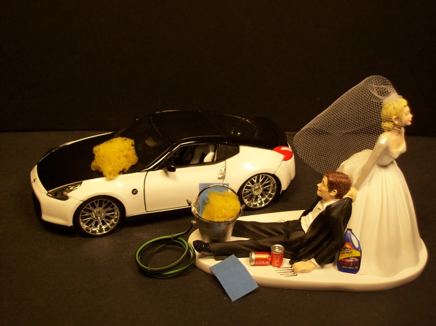 AUTO CAR Wash Nissan 370 Z Bride And Groom Wedding Cake Topper