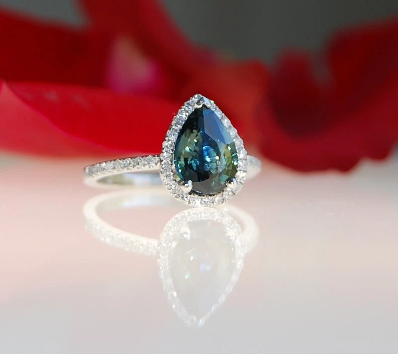 2.1ct pear Peacock green blue color change sapphire diamond