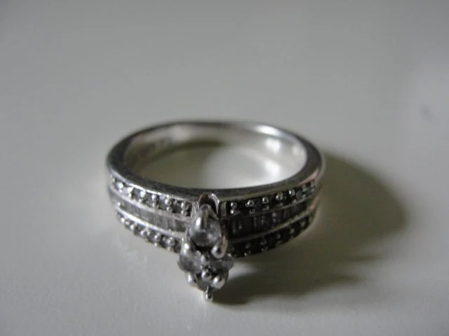 Vintage platinaire diamond engagement or wedding ring