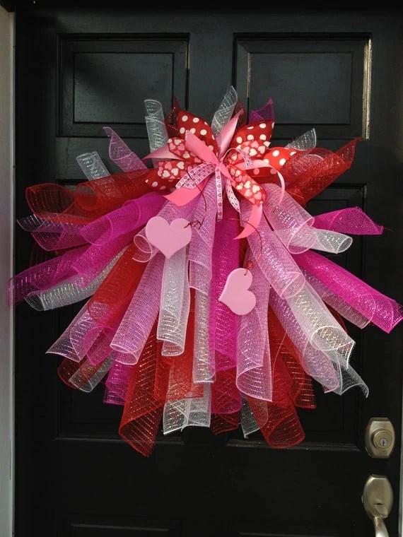 Items similar to Mesh Valentines Wreath Valentines Wreath