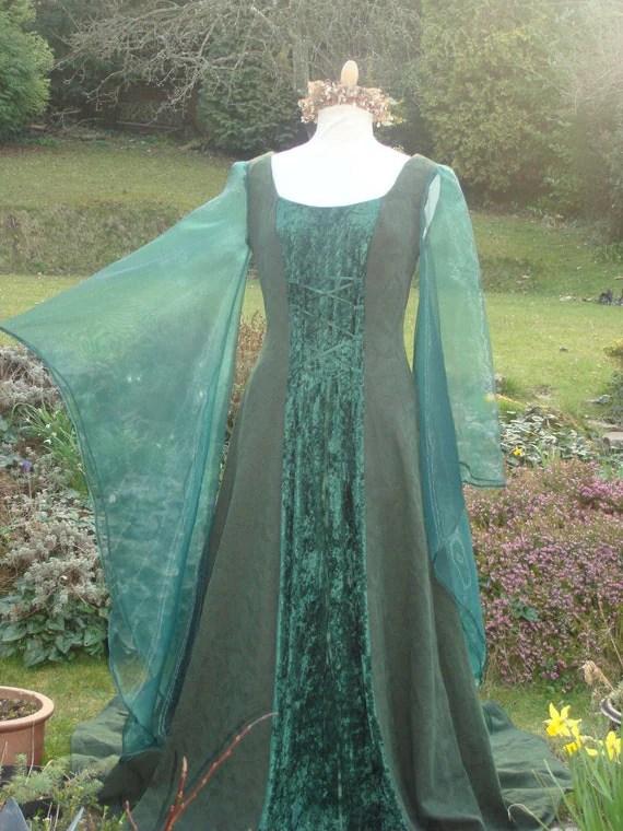 Beltane green wiccan may queen  goddess renaissance pagan