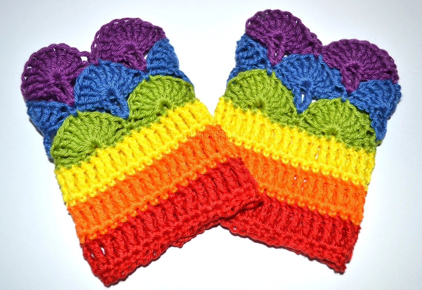 crochet Rainbow Gloves / Wrist Warmers - Zauberschloss