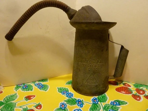 Vintage 2 quart tin oil can dispenser with handle and flexible spout