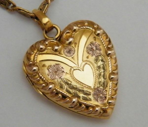 10k Antique Gold Heart Locket .1910 True Love Floral Motif