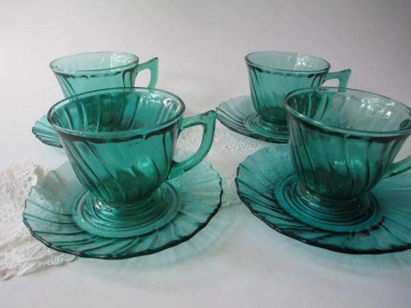 Reserved Dong Vintage Jeannette Glass Ultramarine Swirl