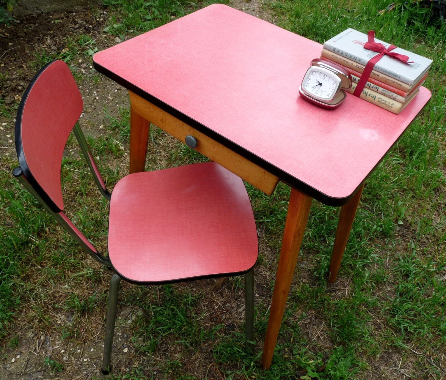 retro desk chair covers cork vintage formica with small pink table