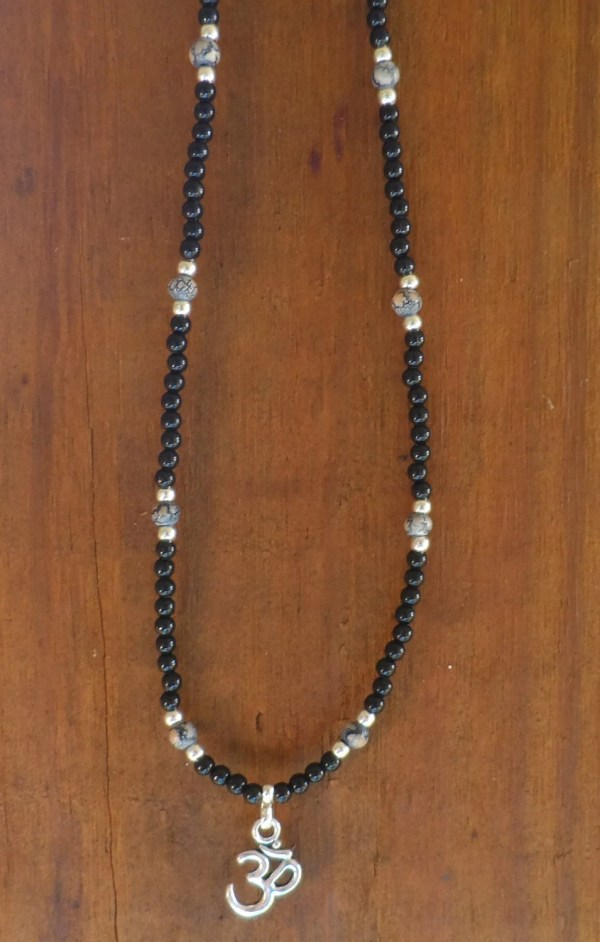 Women' 16 Necklace With Black Silver Plated