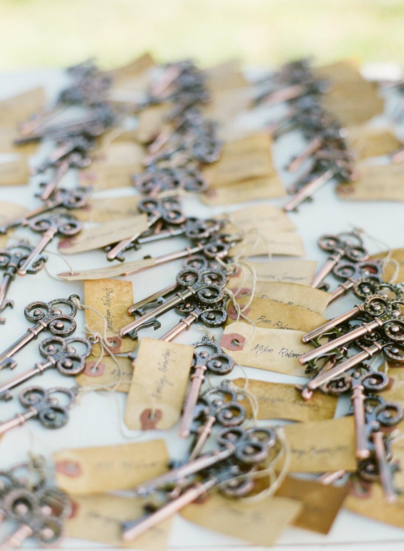 Skeleton Key Bottle Opener Wedding Favor with vintage tag