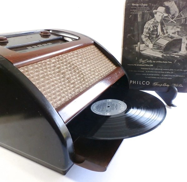 Vintage Philco Radio Phonograph Record Player