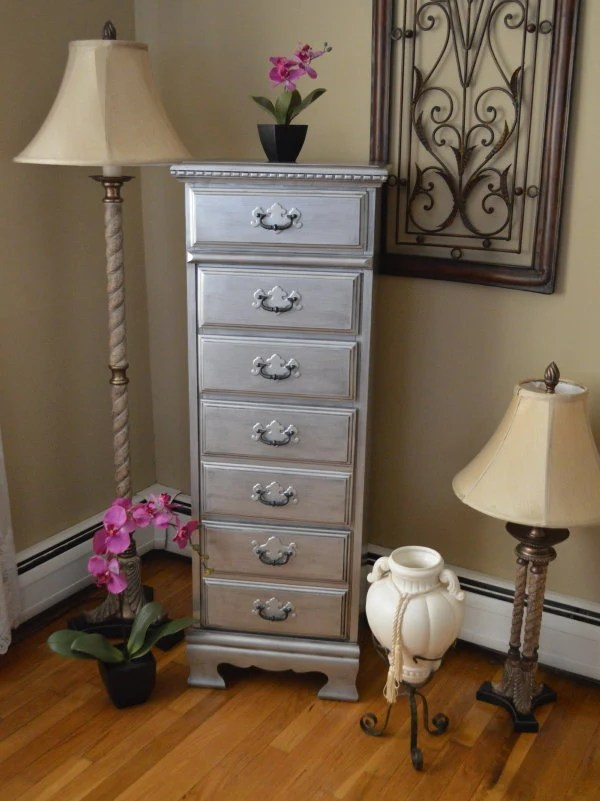 Lingerie Chest of 5 Drawers in Antique Tarnished by