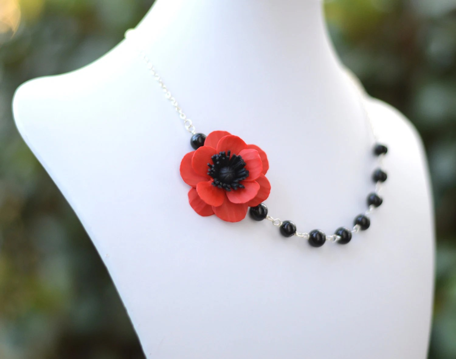 FREE EARRINGS, Red Poppy Flower Necklace, Red Flower Necklace, Red Black Pallet, Bridesmaid Necklace, Statement Necklace - Diaszabo