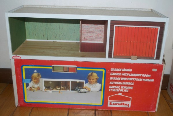 RESERVED Lundby Gothenberg Sweden Dollhouse Garage 6052 with