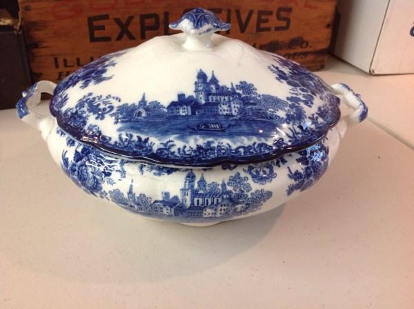 Flow Blue Togo Covered Tureen Serving Bowl Vintage