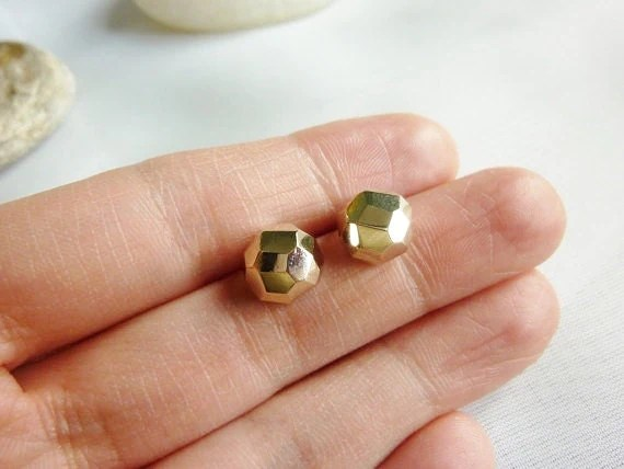 everyday gold studsfaceted gold stud earrings