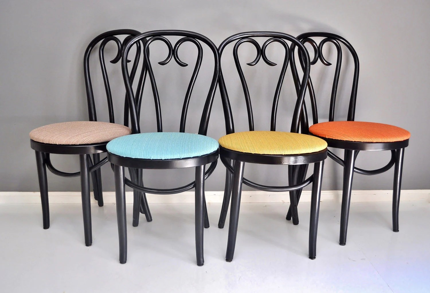 Cafe Chairs Vintage Bentwood Cafe Chairs Set Of Four Thonet Style Dining