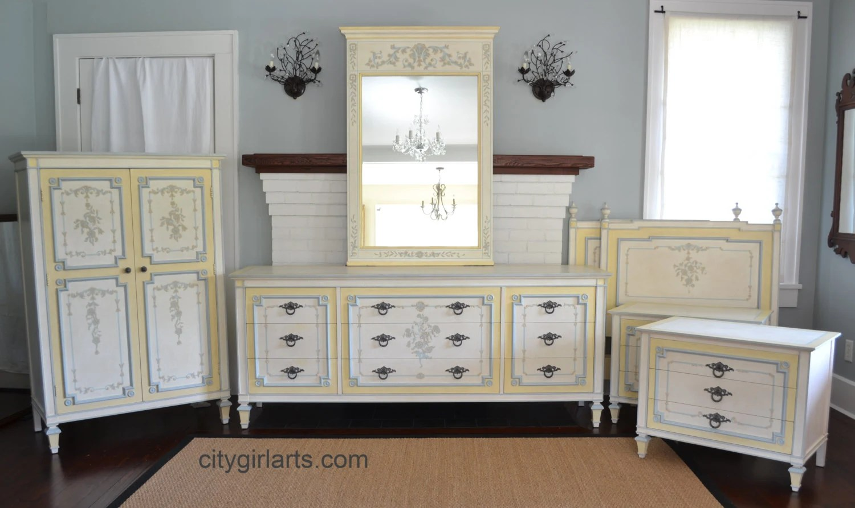 Exquisite 1980 Widdicomb Bedroom Set Dressers Nightstand