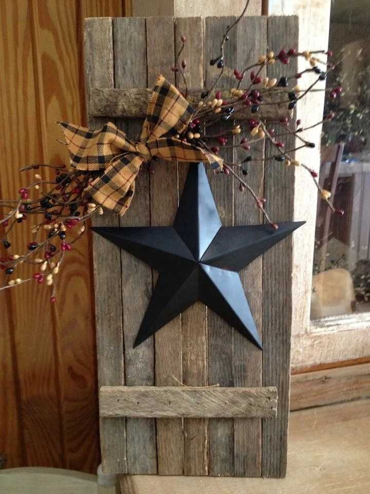Items similar to Lathe Wooden Shutter with Star on Etsy
