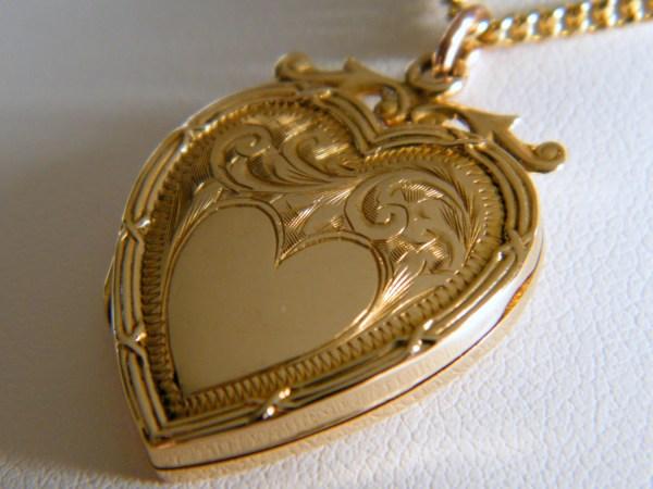 9k Eternal Love C1915 Antique Gold Heart Locket Edwardian