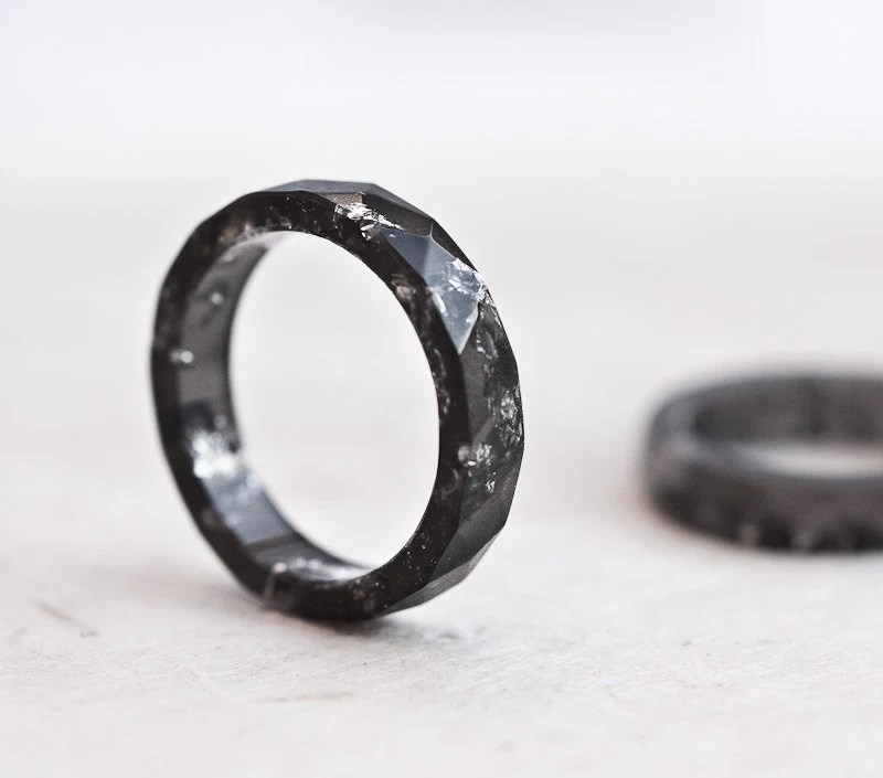 Resin Stacking Ring Black Silver Flakes Small Faceted Ring OOAK dark gray minimalist jewelry neutral winter rusteam - daimblond