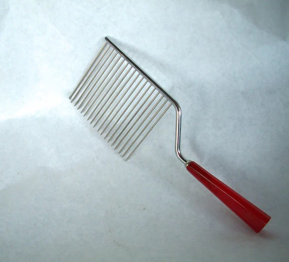 Vintage Cake Breaker  Cake Cutter  Hair Comb Steel With Red