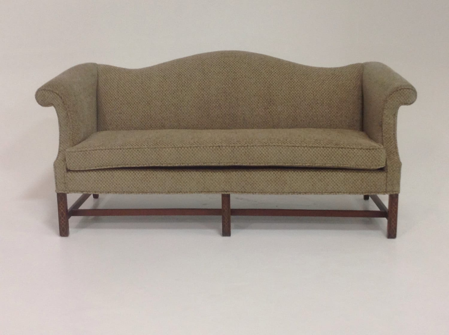 vintage camel back sofa ashley montgomery 2 cuerpos cafe antique by designerfwarehouse on etsy