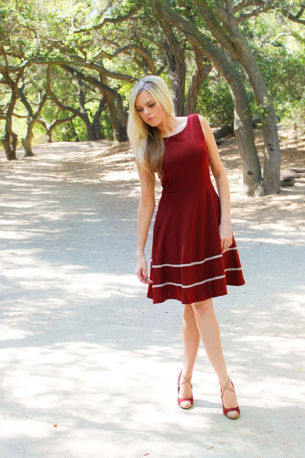 COQUETTE PORT - Cranberry burgundy red dress with pockets / flared circle skirt // ivory crochet / bridesmaid // vintage inspired / holiday - FleetCollection
