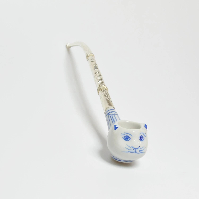 Cat pipe