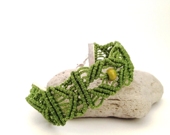 Green bracelet  handmade in macrame with waxed cotton - morenamacrame