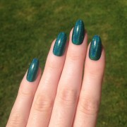 holographic green-teal fake nails