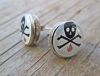 Skull and Crossbones Stud Earrings Hipster stud earrings