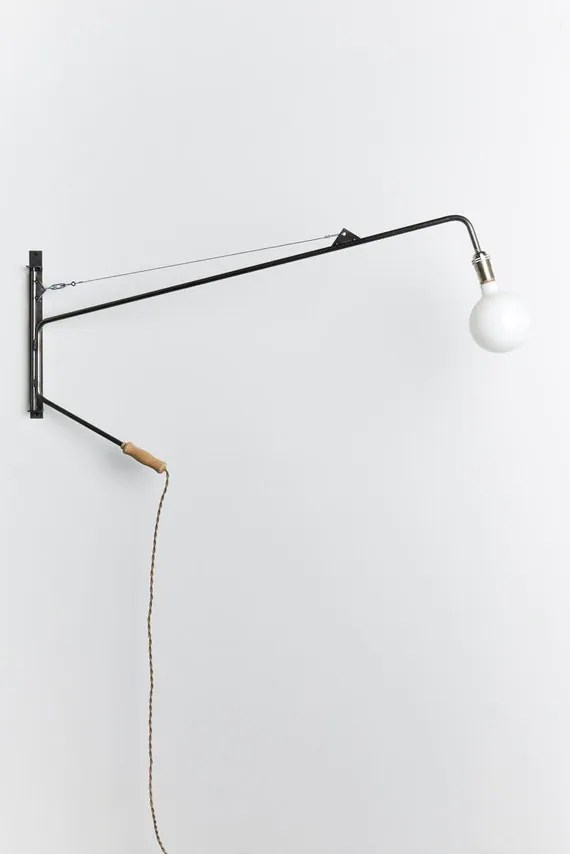 Potence swing arm lamp