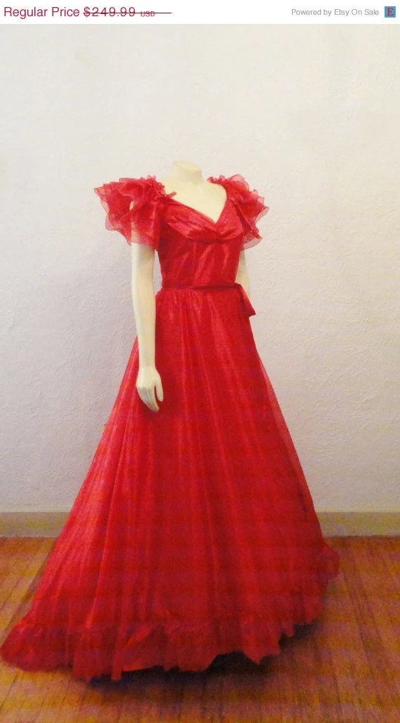CLOTHING SALE Vintage Dress Red Wedding Gown & Hat Red Goth Wedding Dress Scarlet O' Hara Gone With The Wind Halloween Costume Medium