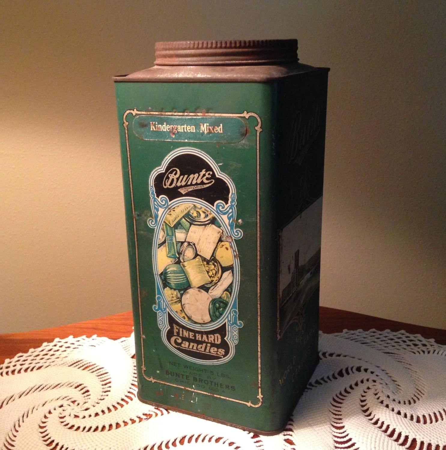 vintage bunte world famous candies tin from 1923 haute juice