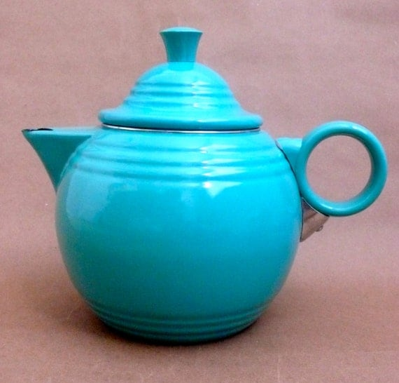 Fiesta Stove top Teapot Enamelware Tea Pot Kettle w Stay Cool