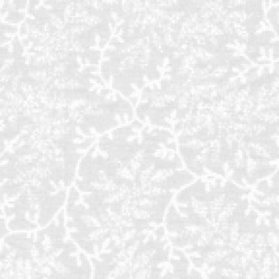 Benartex Fabric/ WIDE / Delicate Vines Cream / Quilting